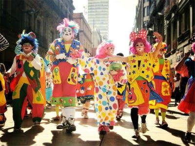 Kostüme günstig kaufen im Karneval Megastore